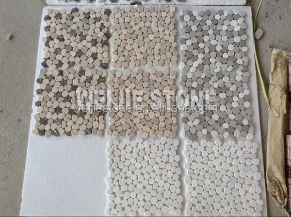 Badkamer Tegels Kiezel : Zwart grijs en wit marmer mozaïek gebroken tegels voor de badkamer