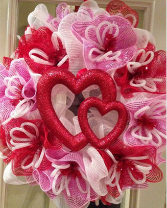Red Deco Mesh With Silver Metallic Thread For Heart Shaped Wreaths ...