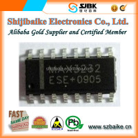 Electronic Components IC 2/2 Transceiver Full RS232 MAX3232CSE+ Chip