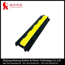 Traffic safety best-selling PVC middle cable protector 2 channel