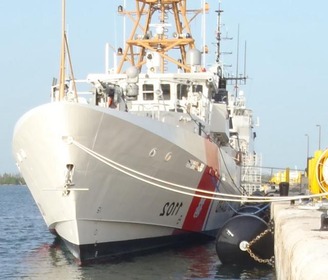 Наполненный пеной EVA ШВАРТОВЫЙ Кранец для корабль катер fender морской 15 лет срока службы имеет высокую эластичность, устойчивость к коррозии и окисления resistanc