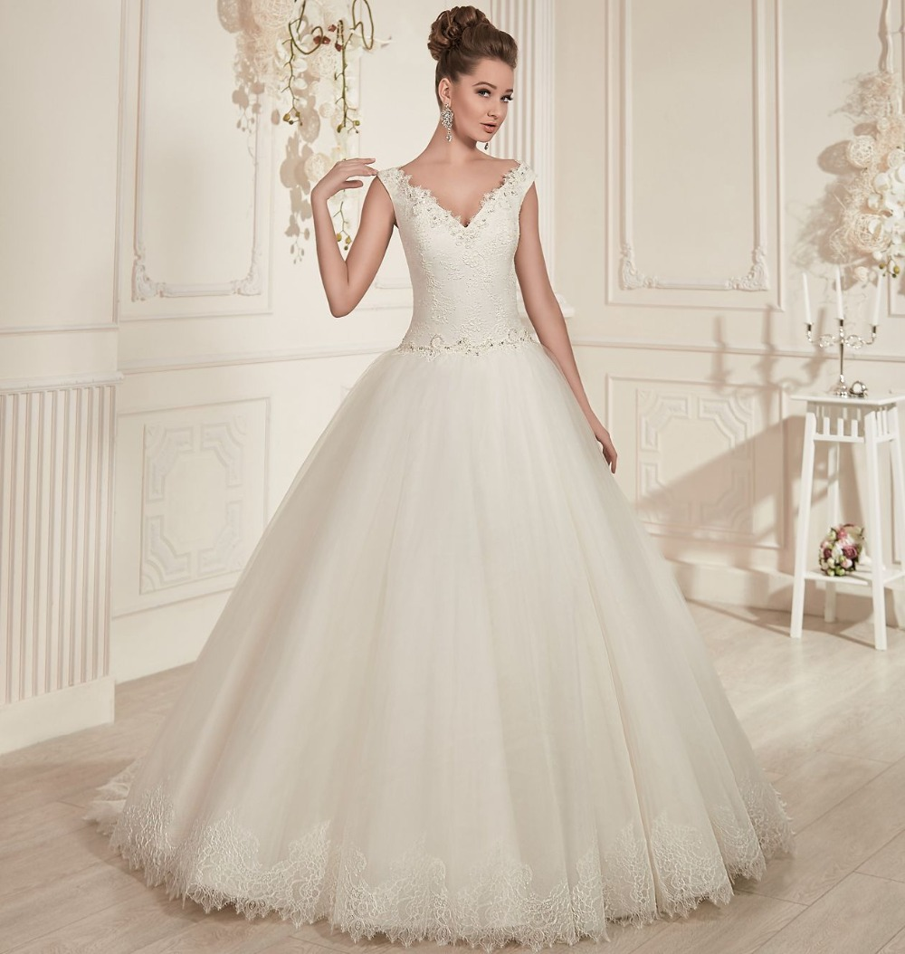 Elegant Wedding Ball Gowns: Princess Style Ivory Tulle Ball Gown Wedding Dresses 2016