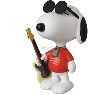 Medicom Peanuts Punk Snoopy Vinyl Collector Doll