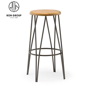 Wholesale Timber Seat Metal Bar Stool Chair