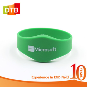 DTB Factory Direct Export RFID Wristband NFC Lights NTAG216 Silicone RFID Bracelet