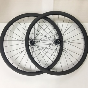 Cheap carbon road bike wheels carbon wheels 700c clincher bicycle wheel with Novatec hub