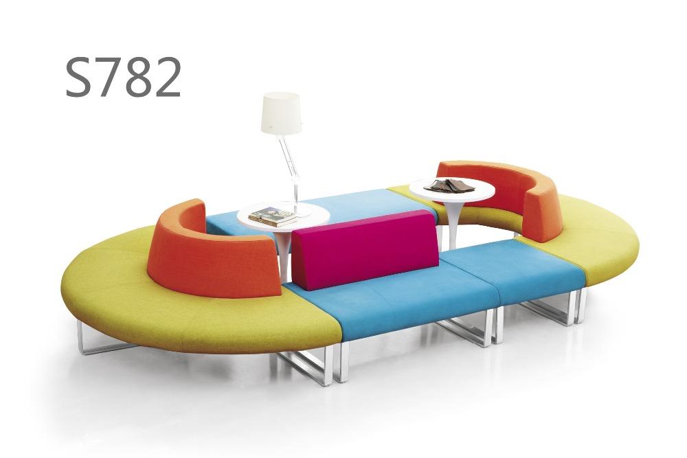 Multi couleur en option breakout d 39 attente et espace - Canape multi couleur ...