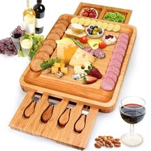Bambu <span class=keywords><strong>Keju</strong></span> dengan <span class=keywords><strong>Keju</strong></span> Alat Cheese Plate Charcuterie <span class=keywords><strong>Piring</strong></span> dengan Peralatan Set dan 4 Stainless Steel Pisau Pemotong