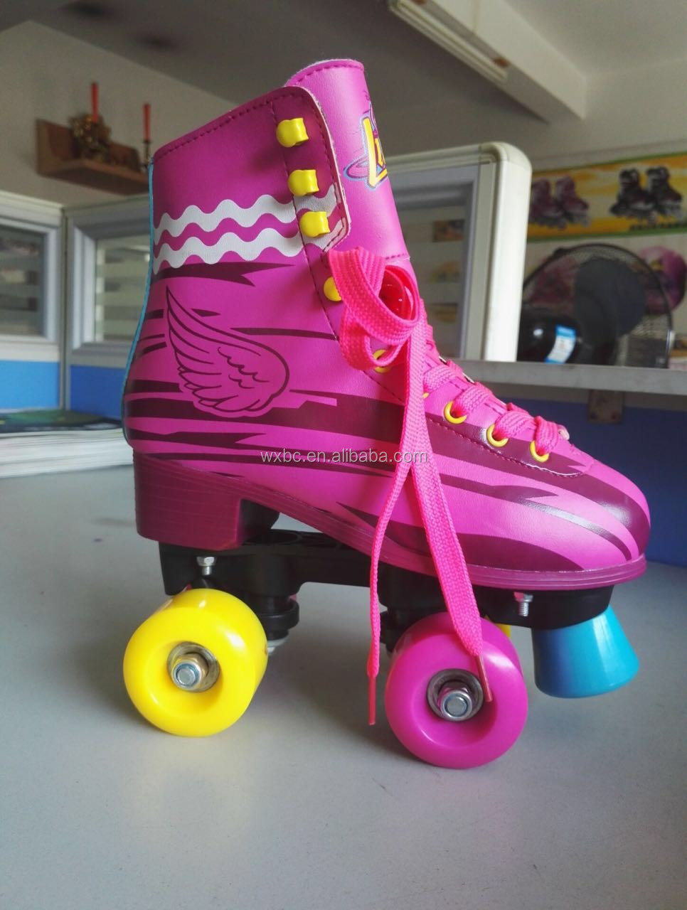 hot sports four wheel soy luna roller skate buy roller. Black Bedroom Furniture Sets. Home Design Ideas
