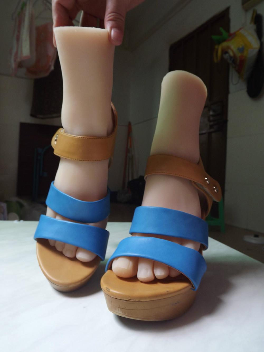 Lesbian Sweaty Feet 105