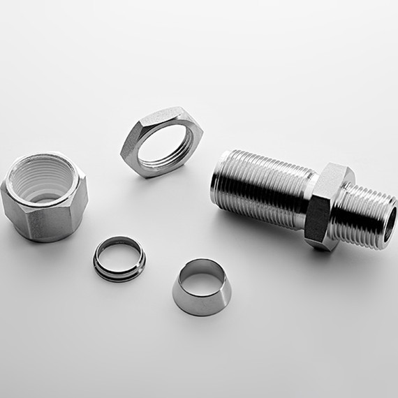 Stainless steel bulkhead male connector compression