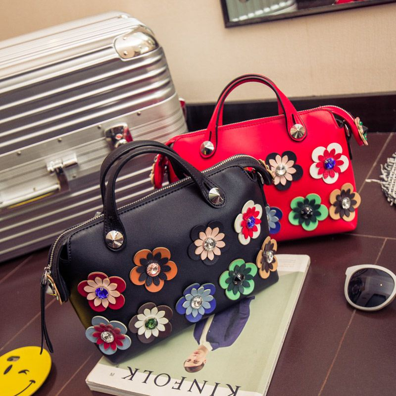 Women PU Leather Handbag Crossbody Bags Vintage Top-Handle Lady European Style Shoulder Bags Random Color Flower <strong>Totes</strong>