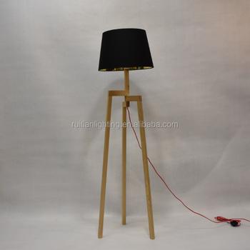 Goede Houten Scandinavische Statief Vloerlamp Woonkamer 3 Benen Statief QK-82