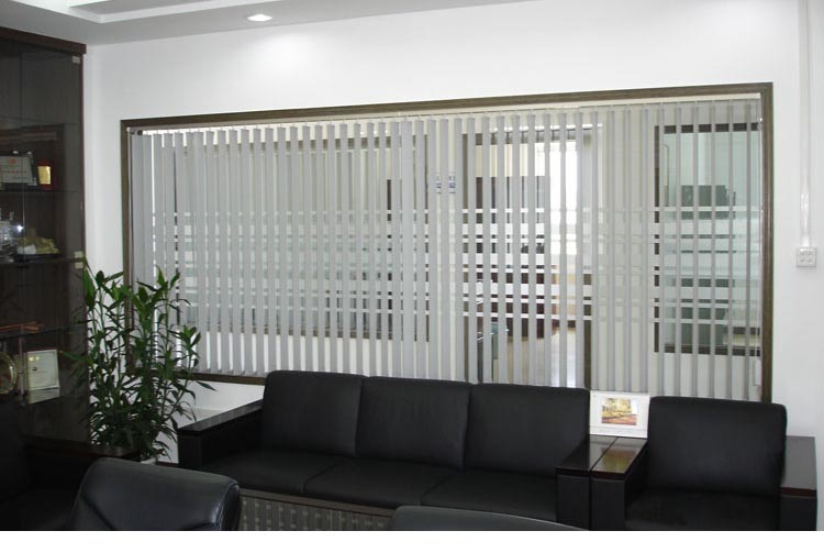 Low noise vertical window blind blackout fabric vertical blind shutter