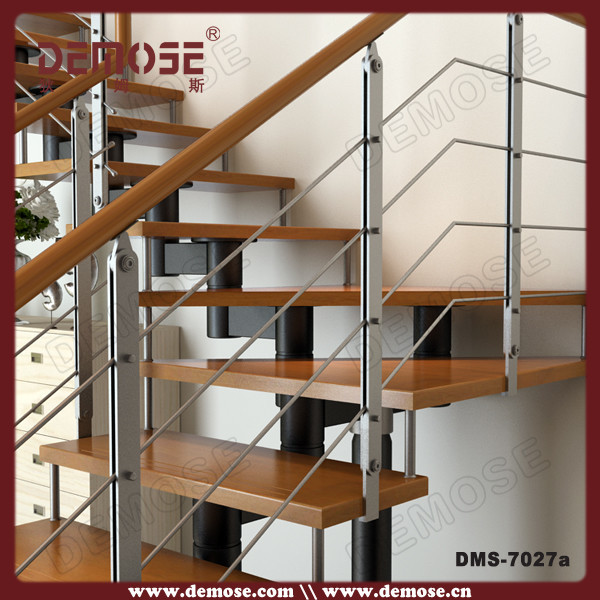 Interior moderno escaleras para casas peque as escaleras for Escaleras metalicas para interiores de casas