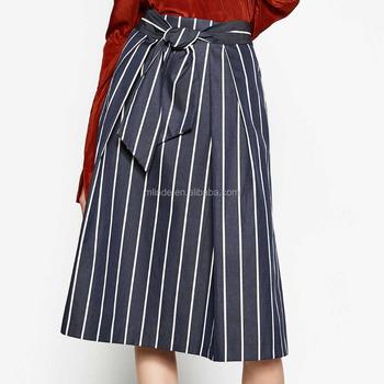 d1eb2a269 2018 verano nuevo estilo mujeres sexy striped hollow-out fluffy swing faldas  señoras azul marino