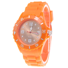Hot sale silicone brand watch men Christmas fashion Brand ladies Quartz watches 38MM 43MM watch wholesale China
