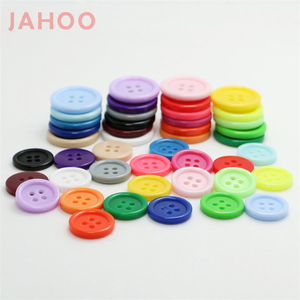 Fashion Colorful Sewing 4 Holes Resin Plastic Garment Buttons