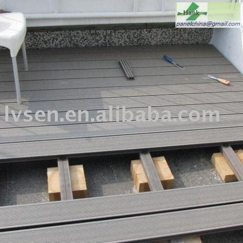 Bois plastique composite patio terrasse rev tement de sol for Revetement de patio en bois