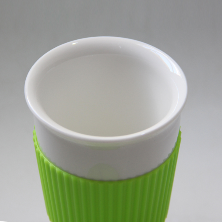 Classic style White color Double Wall Ceramic Mugs With Lid And Sleeves