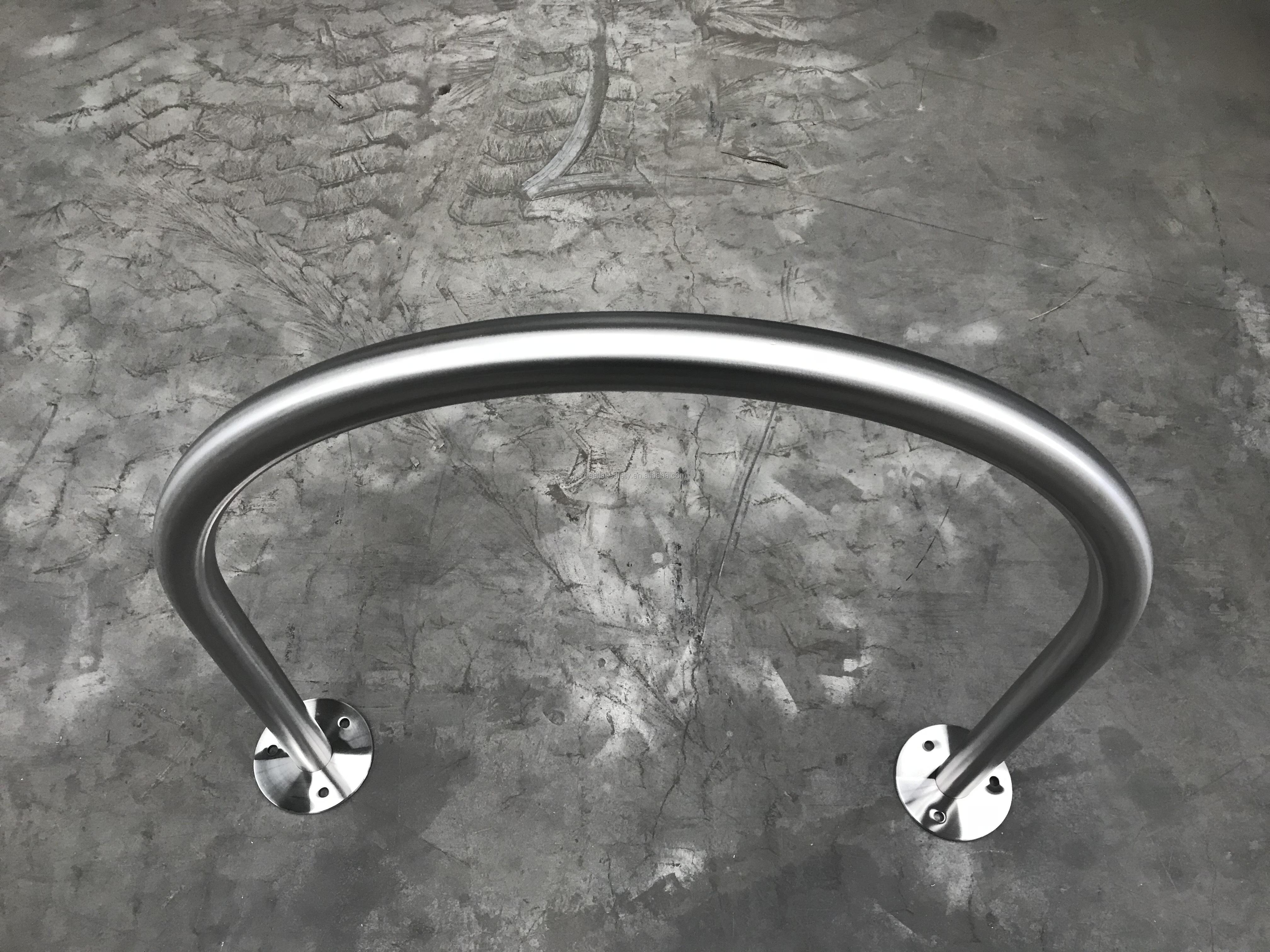 Wholesale Custom 5 Bikes Outdoor Floor Steel Front Storage Bicycle Rack With Low Prise