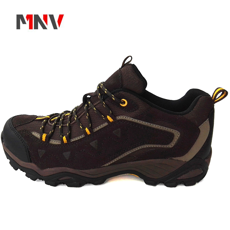 2018 Light hiking shoes in breathable genuine leather low slip-resistant wear-resistant waterproof from china factory