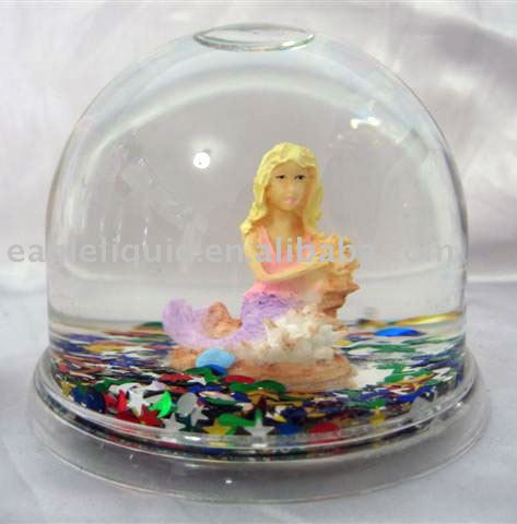 Plstic snow ball with resin indoor scene