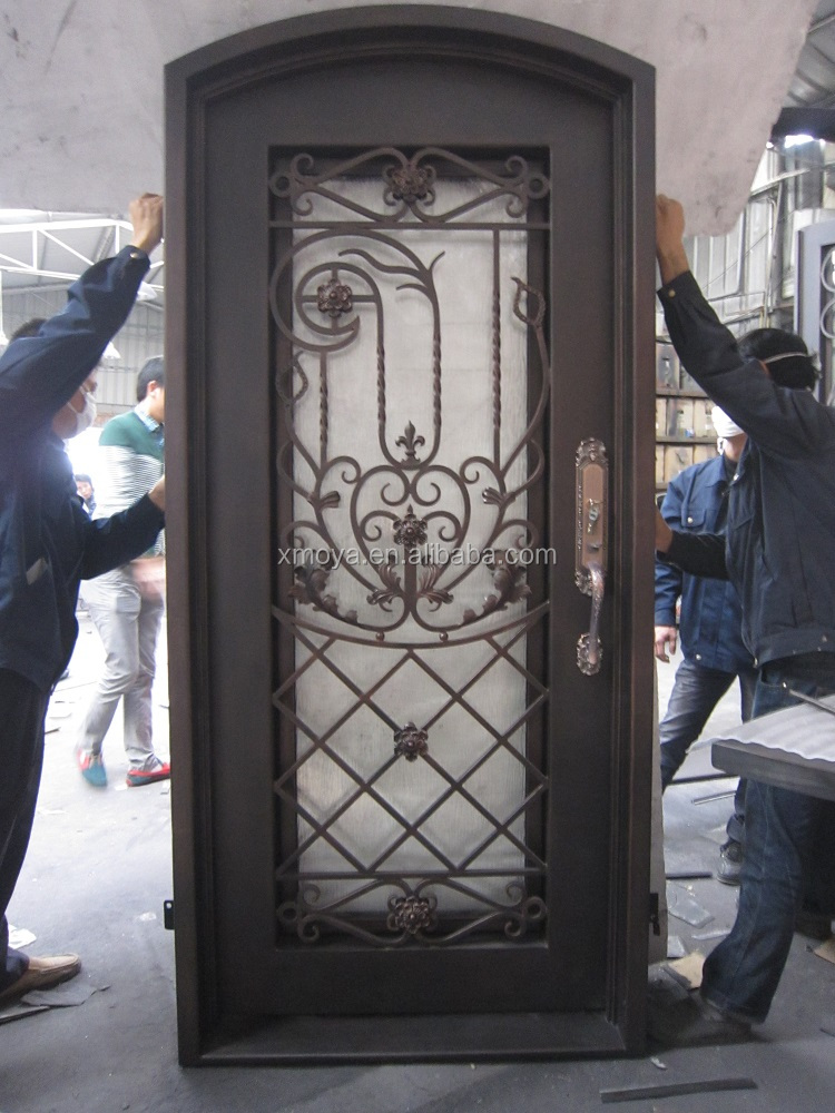 Puerta de hierro solo material hoja dise o de la puerta for Puertas de fierro interiores