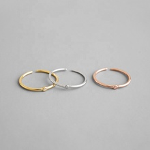 Sterling Silver Diamante Oro Aperto Stacking Anello, Sottile Solitaire Ring, Damigella D'onore/Donne di Affari di Idea Regalo