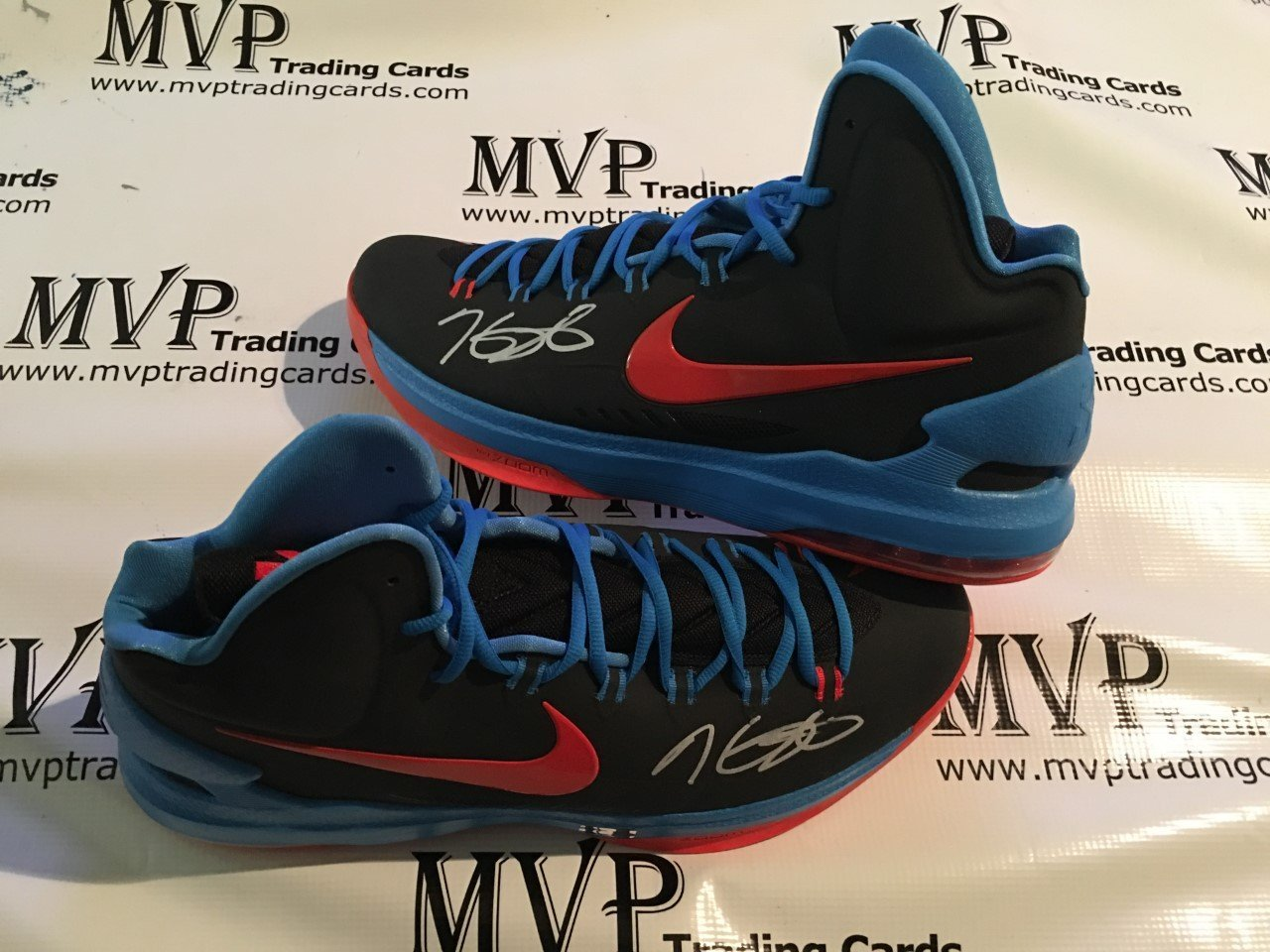 9aed816af8b7 Get Quotations · Panini Authentic Kevin Durant autograph Warriors Nike KD V  Shoes (Size 15) RARE!