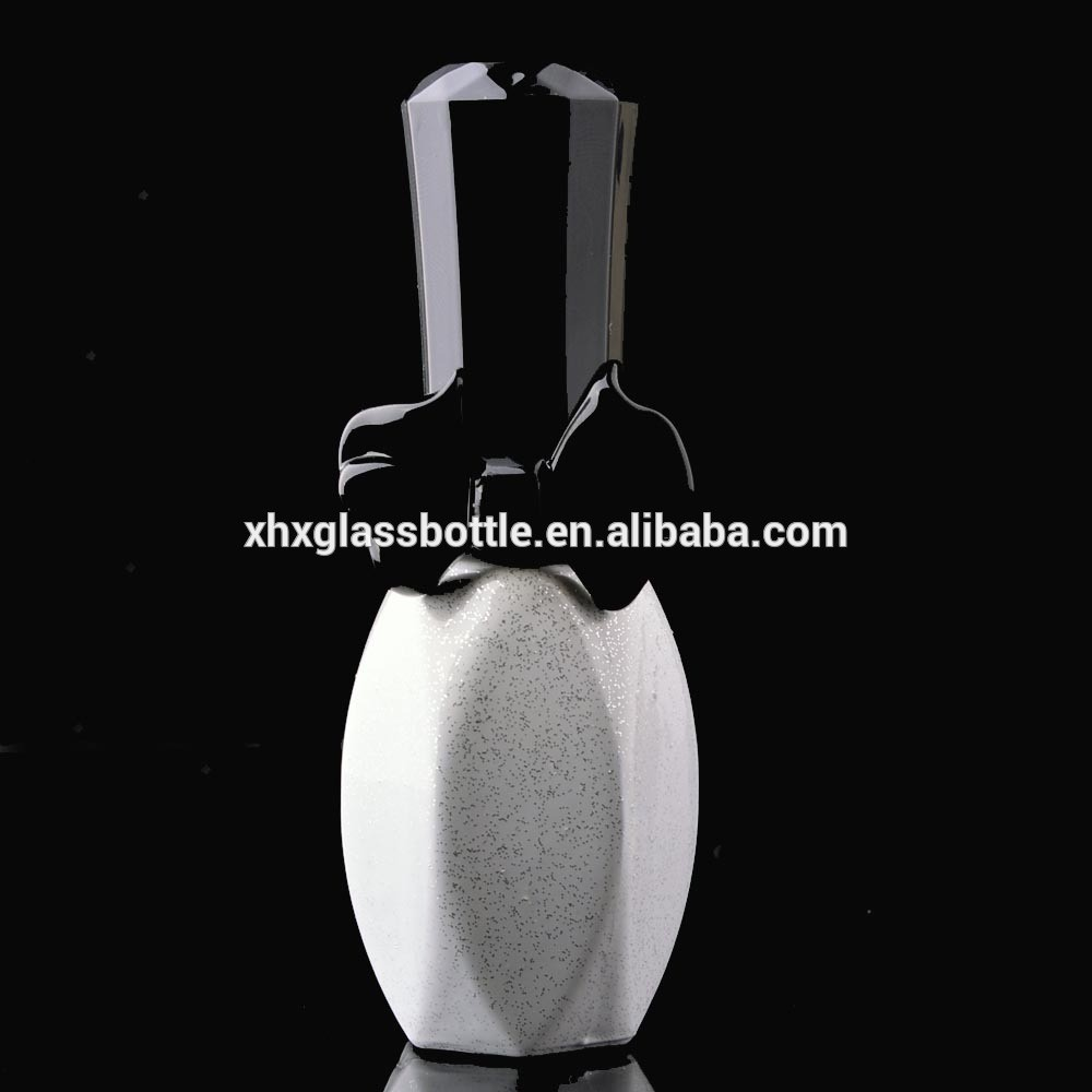 2018 New Design High End 13ML White Coated Empty Bottle For Nail Gel With Black Lid Cap Brush