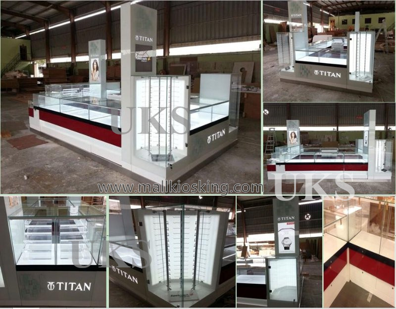 Titan watch kiosk  (7).jpg