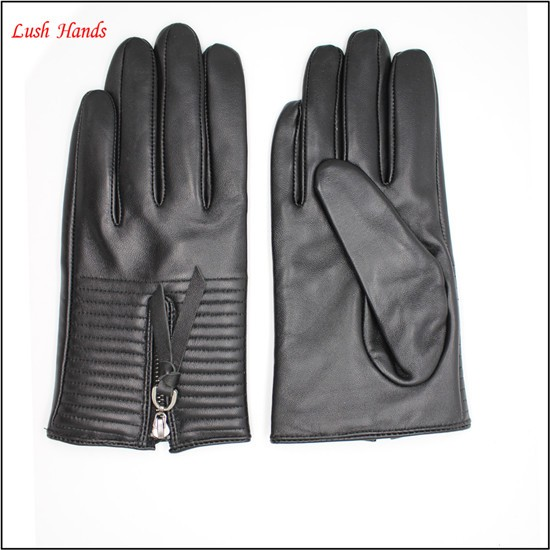 Beautiful women dresses leather gloves with zipper