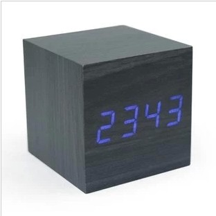 Elegant Shape Hot Selling Wooden Clock Supply Sell Good Various Styles Home Decor Table Clock
