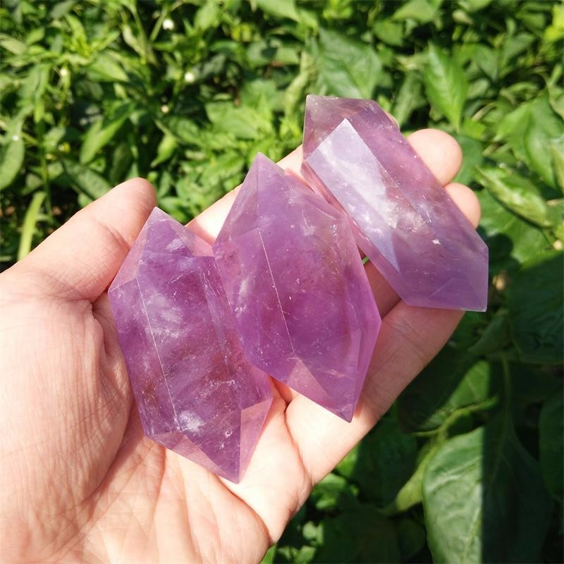 Beautiful Natural Purple Crystal Point Amethyst Spiritual Treatment