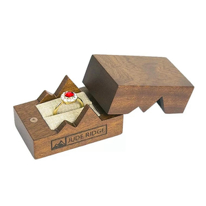 Hot Sell Glossy Lacquer Wooden Velvet OEM Ring Packing Box For Ring Storage