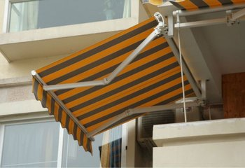 Remote Control Outdoor Rain Awning Motorized Retractable Awning