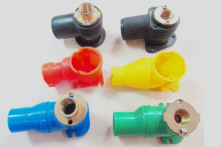 Male female brass fitting for pex water pipes with plastic for Plastic water pipe pex