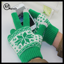 06ffed45336 Morewin Amazon supplier custom snowflake jacquard hand gloves for smart  phone three fingers touch screen gloves