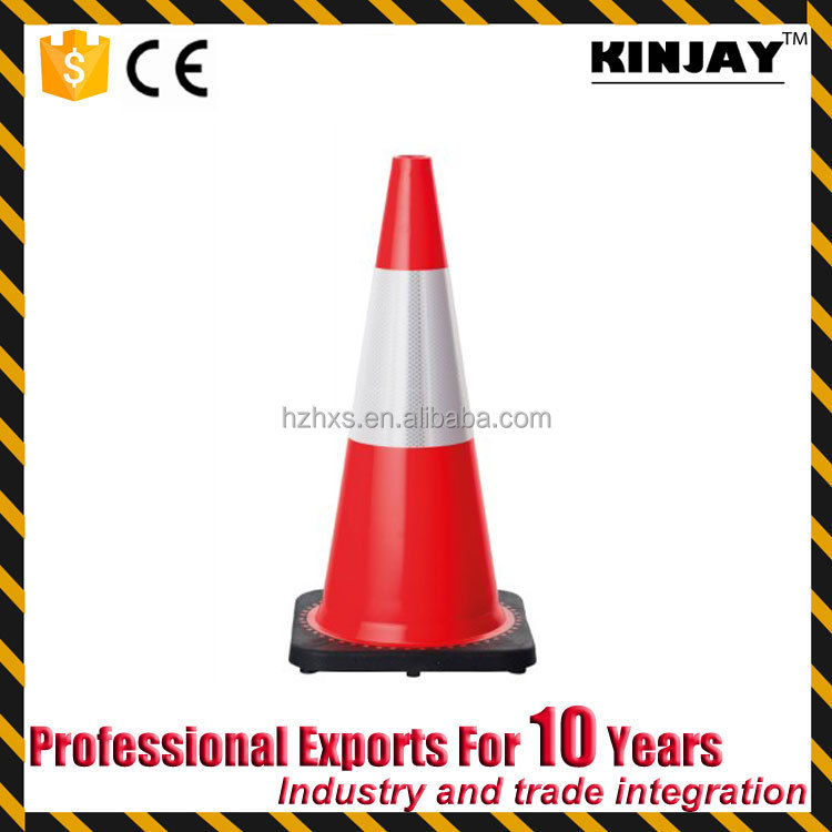 KJ-TC046 High Quality Road Safety Rotational Mould Traffic Cone for Roadway Safety