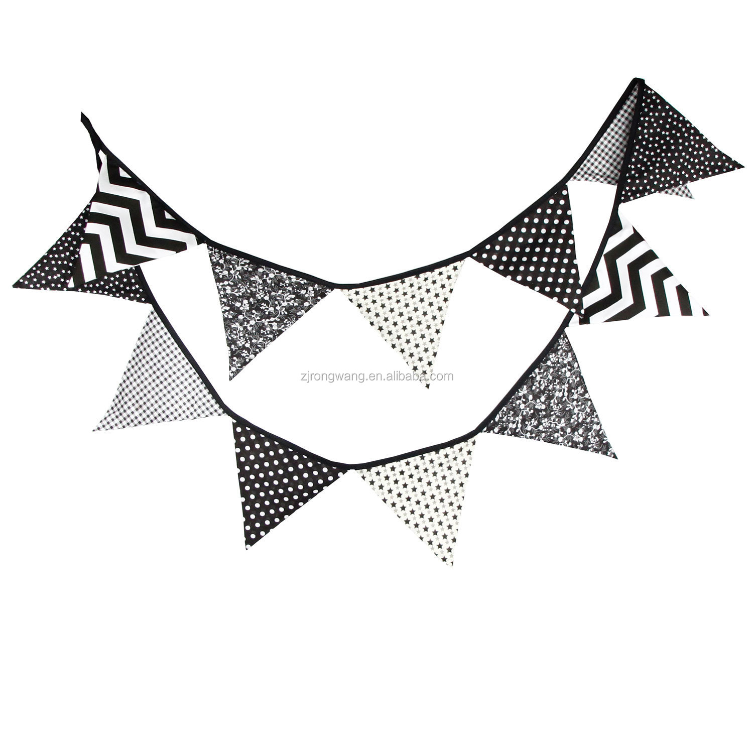 2019 New design black and white cotton triangle string flag tent flag for home decoration