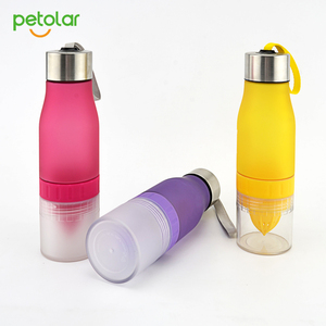 Bpa free sport water bottle fruit infuser water bottle tritan bottle of water with infuser