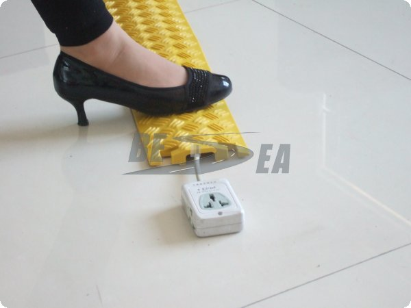 Wholesale In Alibaba Yellow Electric Wire Plastic 1 Channel Floor Cable  Cover