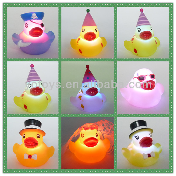 Sea animal shaped plastic led light up clown fish kids toys,waterproof baby bath toys