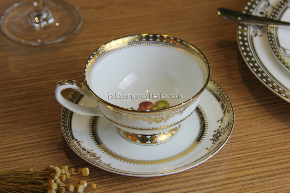 bone china dinner set with gold rim buy dinner set bone china dinner