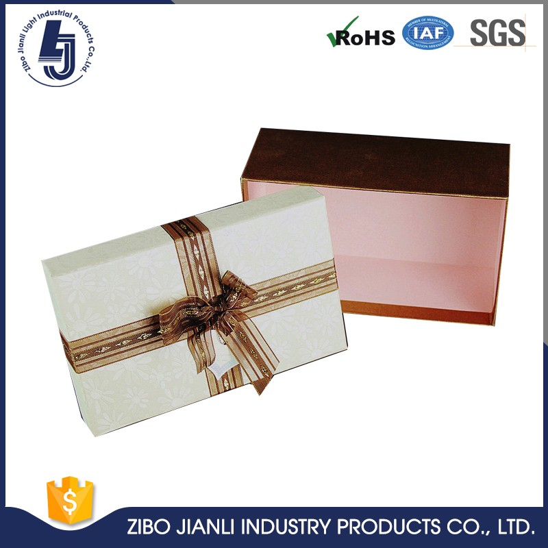 Hot Brand new biodegradable paper box wedding favor candy box