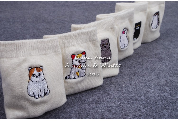 2017 new Cotton Garfield cat series Embroidery Socks Series Comfortable  White calcetines women socks - us126 cd334132d5