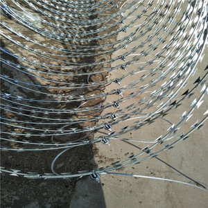 BTO22 Single Razor Iron Wire Material 50kg barbed wire price