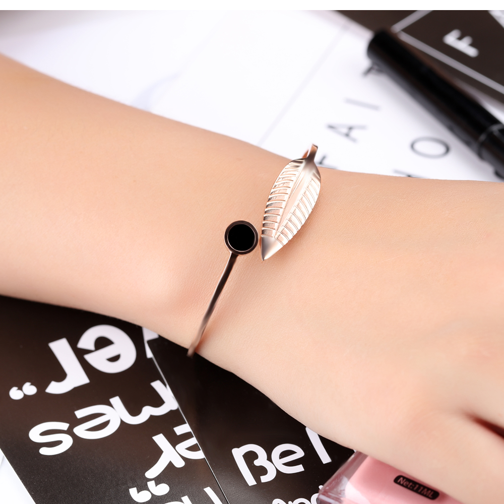 Wholesale New Design Fashion Girl Rose Gold Open Leaf Bracelet