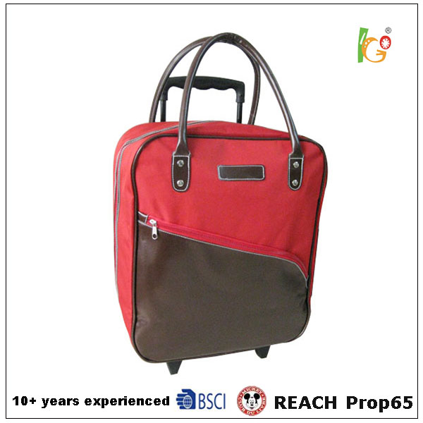 2017 trolley bag parts and red color polyester foldable luggage bag